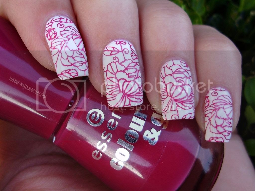 photo red_floral_nails_7_zps4c3c8z6b.jpg