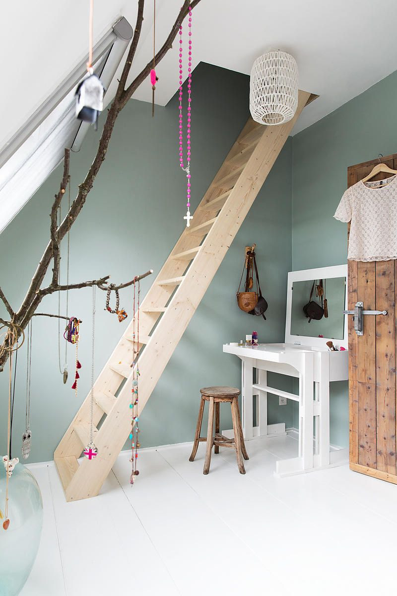 attic room for kids