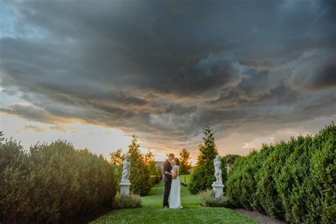 Romantic Elawa Farm Wedding   Kathleen Stogin Photography