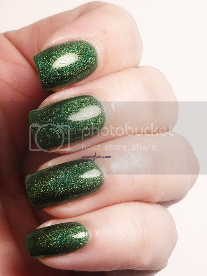 xoxo, Jen's swatch of Glitterdaze Evergreen With Envy nail polish