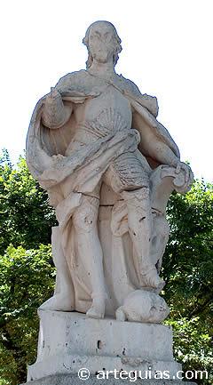 Estatua de Alfonso VIII en Toledo