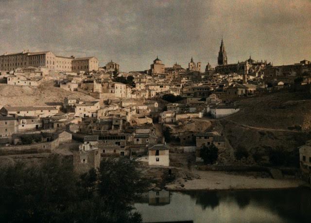 Toledo hacia 1910. Autocromo de Jules  Gervais Courtellemont. Image by © National Geographic Society/Corbis