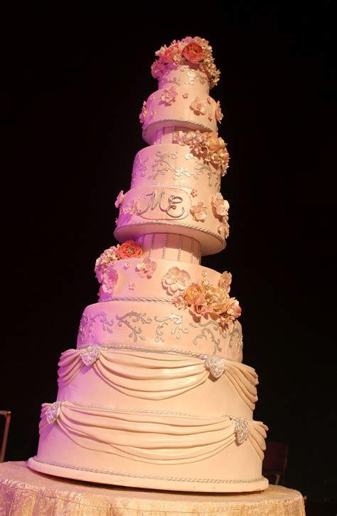 Complete Deelite: Marie & Ernie's 9 Tier Wedding Cake!