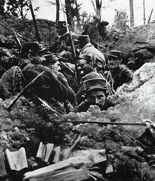 Ficheiro:Trincheiras La Lys.jpg