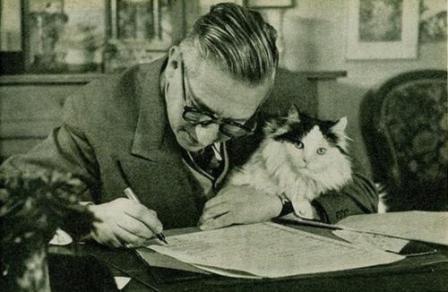 Жан-Поль Сартр с котиком