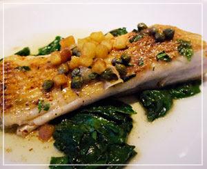 お魚は、エイヒレで。想像するエイヒレの2倍くらいのサイズでした。