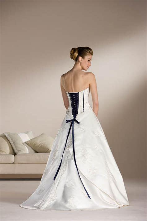 Corset Wedding Dress Styles ? Sang Maestro
