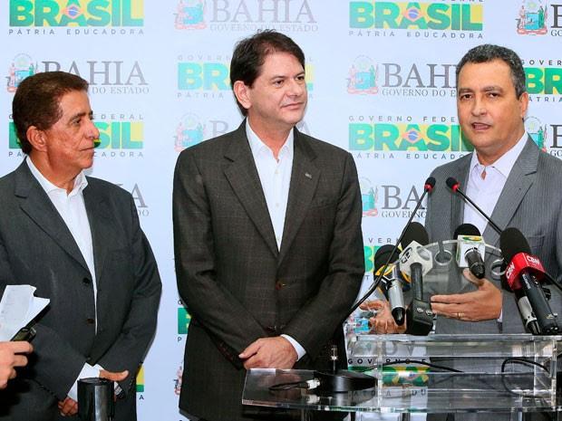 Osvaldo Barreto, secretário de Educação, Cid Gomes, Ministro e Rui Costa, Governador na Bahia se encontram para discutir propostas da educação no estado. (Foto: Mateus Pereira/GOVBA)