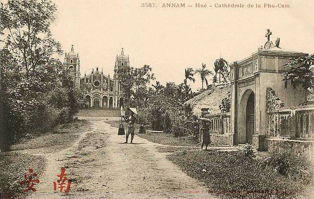 INDOCHINE - ANNAM - HUE - CATHEDRALE de la PHU CAM