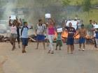Moradores protestam contra a falta de água  (Reprodução/TV Vanguarda)