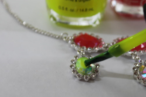 How to make a neon rhinestone necklace