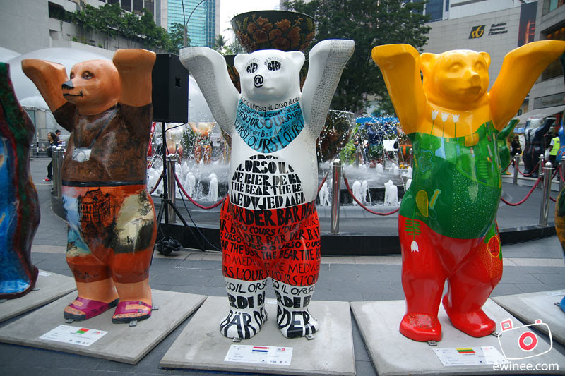 UNITED-BUDDY-BEARS-PAVILION-KL-more-bears