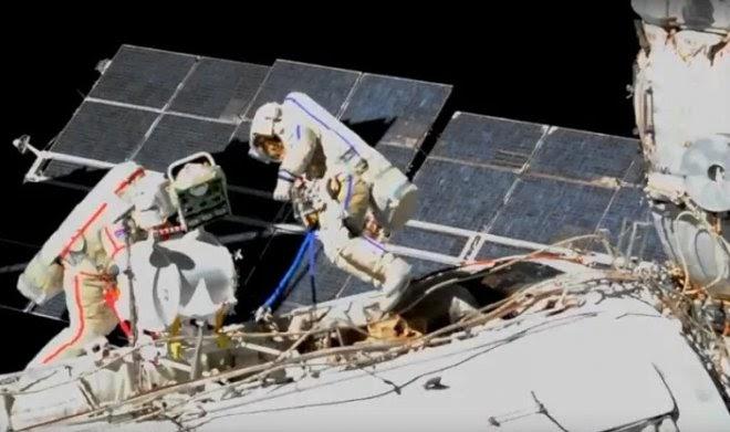 Российские космонавты готовятся отстыковать от МКС целую секцию