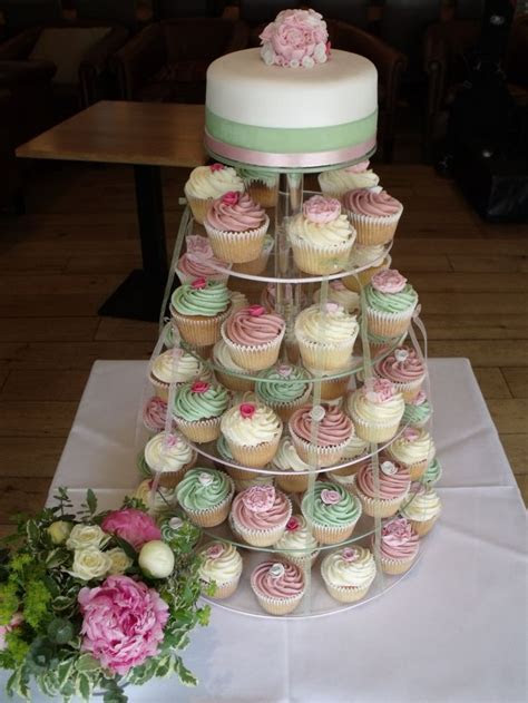 cupcake towers for weddings   The cupcake tower was for a