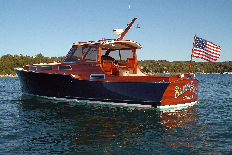 cruisers models cabin boats cabins bella raid en