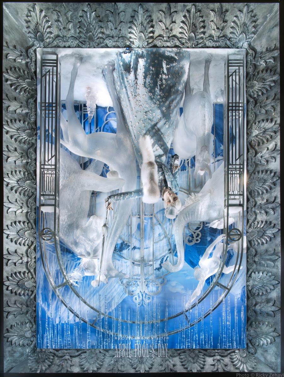 best-window-displays_bergdorf-goodman_2013_christmas_holidays-on-ice_18