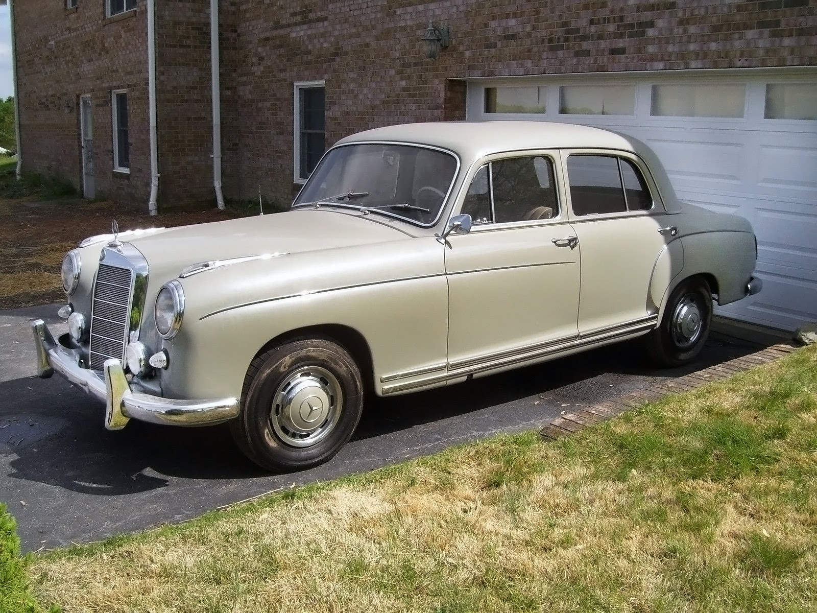 Preserved Ponton: 1959 Mercedes-Benz 220S