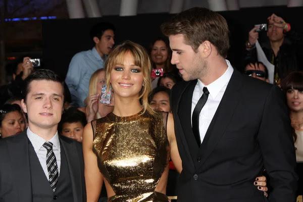 Josh Hutcherson, Jennifer Lawrence, Liam Hemsworth — Foto de Stock #11708019