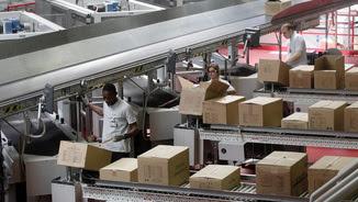 Treballadors de Mango, una multinacional catalana que exporta arreu del món (Reuters)