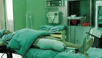 Thái Lan: 3 năm, 5 lần phẫu thuật, mất dần chân tay hệt như cách anh ta hành hạ rùa