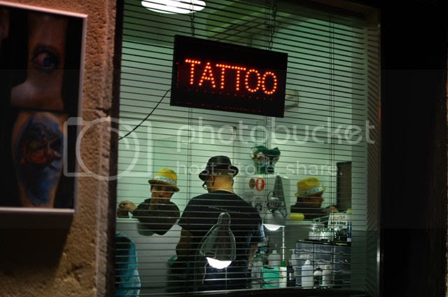 Tattoo Shop, Barri Gotic, Barcelona [enlarge]