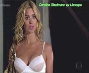 Carolina Dieckmann sensual na novela Fina Estampa