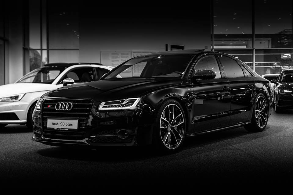 Gallery: Audi S8 Plus Showroom Photos