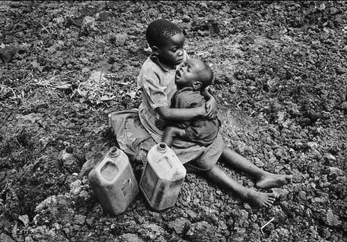 Rwanda Exodus, by Tom Stoddart