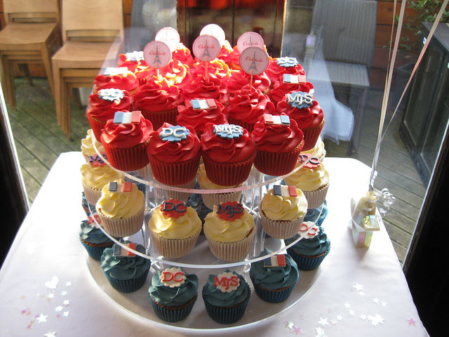 Frenchthemed wedding cupcakes