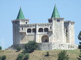 Castelo de Porto de Mós 1.JPG