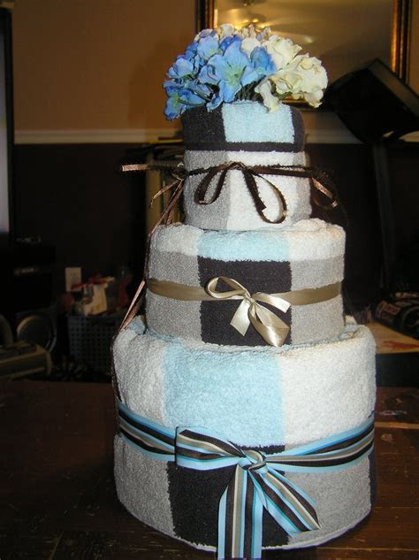 33 best images about Towel Cakes on Pinterest   Wedding