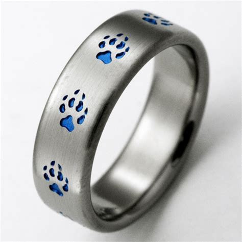 Duluth 3 titanium ring with wolf tracks   Titanium Wedding