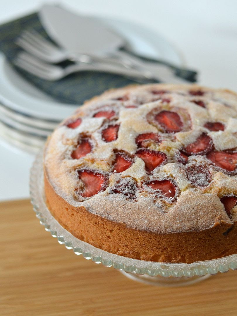 Reduced Sugar Lemon & Strawberry Cake
