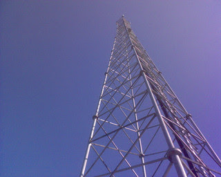 Local residents in the Salvadoran capital are fighting the installation of cell phone towers in their neighbourhoods. / Credit:Karl Baron/CC BY 2.0