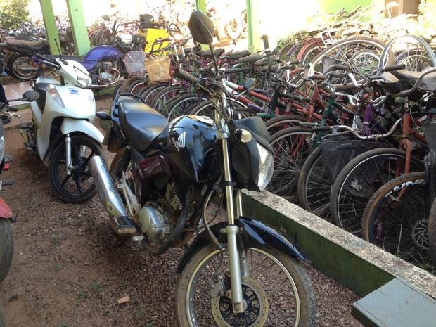 Motos recuperadas serão periciadas e devolvidas aos proprietários (Foto: Júnior Freitas/G1)