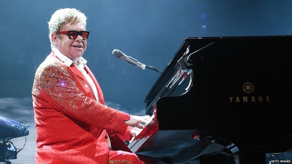 Musician Elton John performs at the Barclays Center in the Brooklyn borough of New York City (31 December 2014)