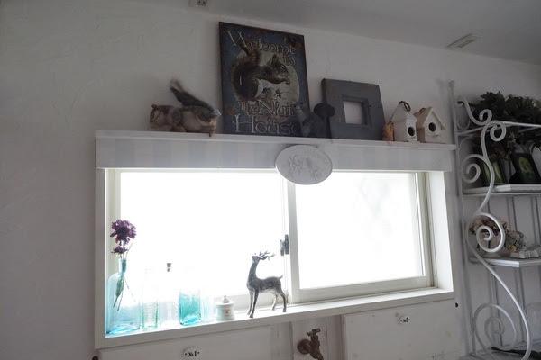 しっぽと暮らす家 寝室窓(横長) 窓を飾り窓に1