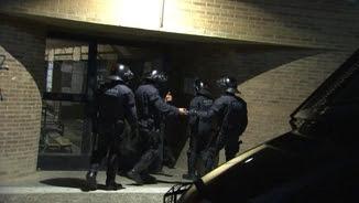 Agents dels Mossos entren a la Universitat de Lleida
