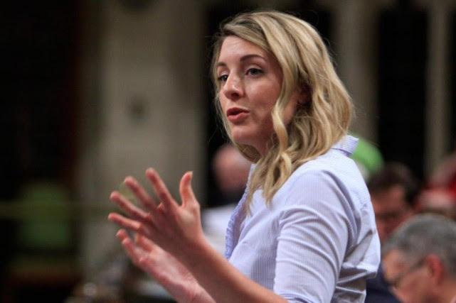 La ministre du Patrimoine canadien MélanieJolyaimerait une «transparence»... (PHOTO PC)