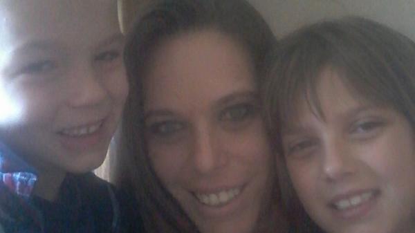 Matthew, Michelle y Victoria Martens. La madre de los pequeños concretaba citas con hombres para que abusaran sexualmente de ellos