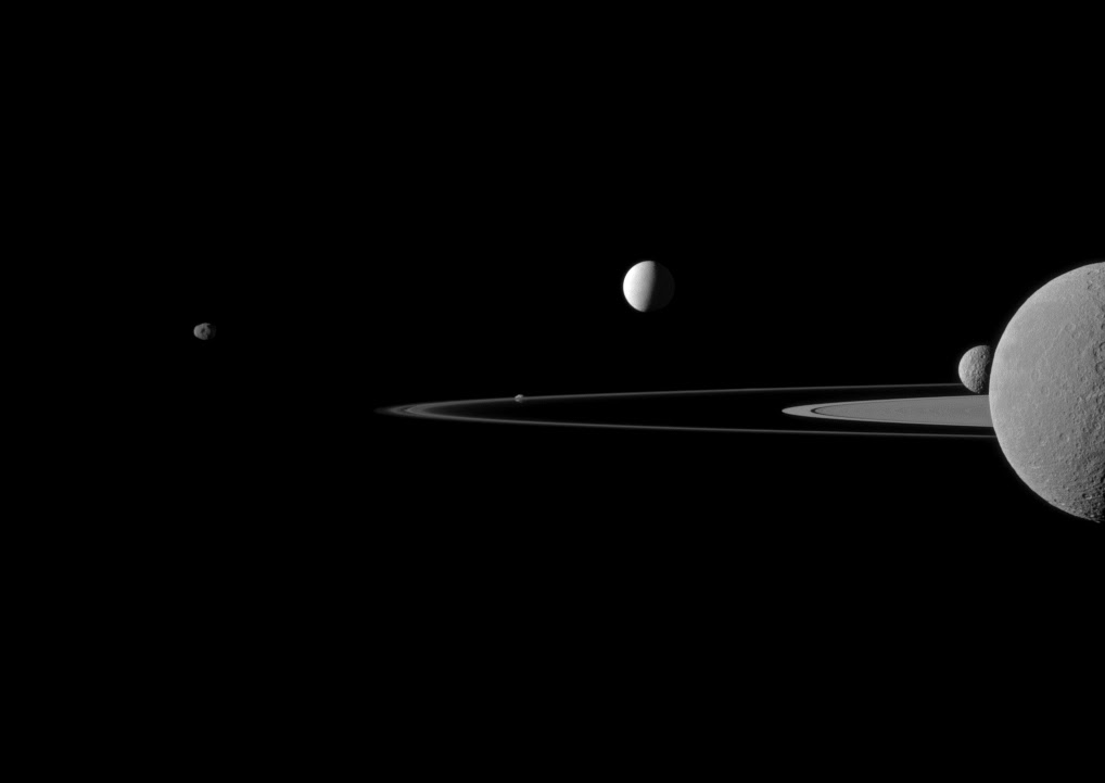 http://spaceinimages.esa.int/var/esa/storage/images/esa_multimedia/images/2013/11/quintet_of_moons/13373817-1-eng-GB/Quintet_of_moons.jpg