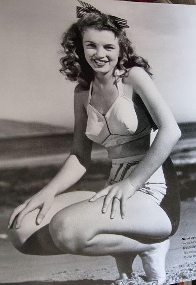 29933e92cd515 Glamoursplash  Modeling Marilyn Monroe