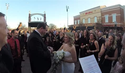 Groom ups the stakes with Georgia flash mob wedding to