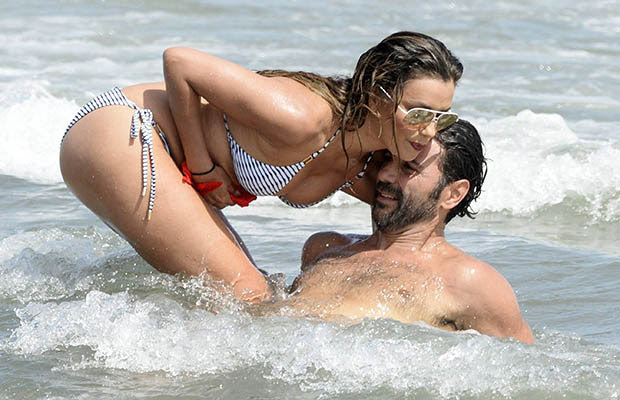 Eva Longoria in hot bikini going wet and wild