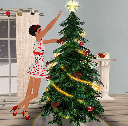 Decorating the Tree - the star