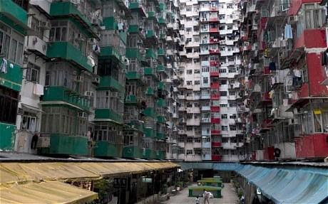 From Castle to Cage: Hong Kong – A City of Contradictions - Paperblog