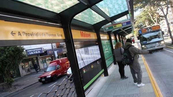 El modelo de las paradas de los buses será igual al que ya se instaló en zona Norte.
