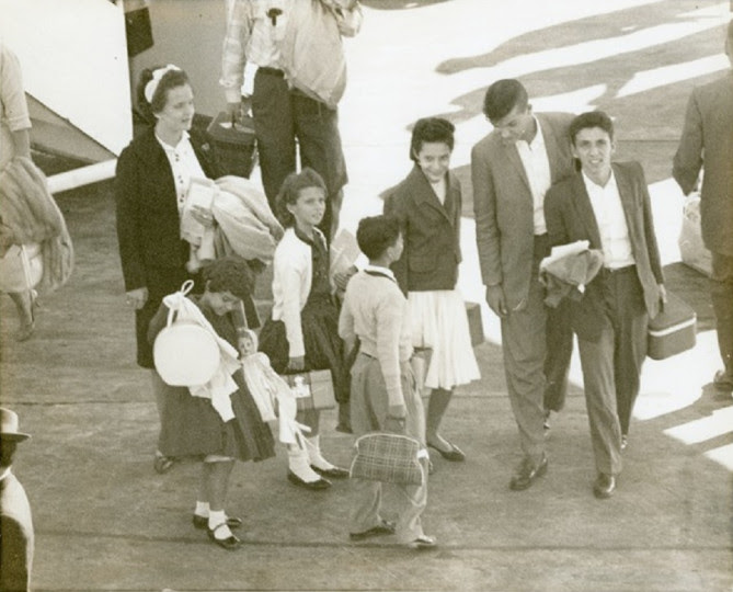 <p>Llegada de un grupo de niños cubanos al aeropuerto de Miami en 1961, dentro de la Operación Peter Pan.</p>
