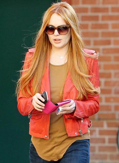 lindsay lohan nuevo look 2012 pelo teñido de rojo