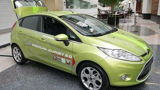 AJ, el Ford Fiesta que envía mensajes de Twitter automáticamente (The New York Times).